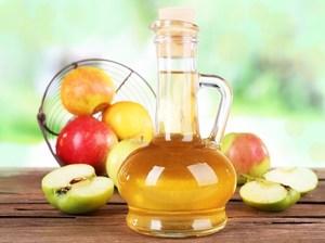 Глицерин и яблочный уксус для ухода за пятками